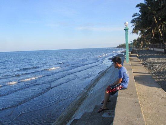 Bongabong, Filipinas: Masaguisi Seawalls