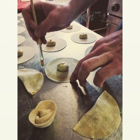 "The making if ""Tortellini croccanti"" 😋"