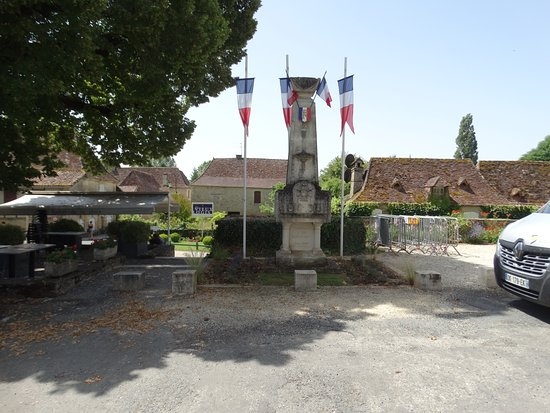 War memorial Tremolat