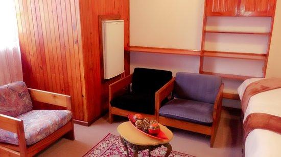 Kwambonambi, Sudafrica: Family Units lounge that accommodate up to 4 people.