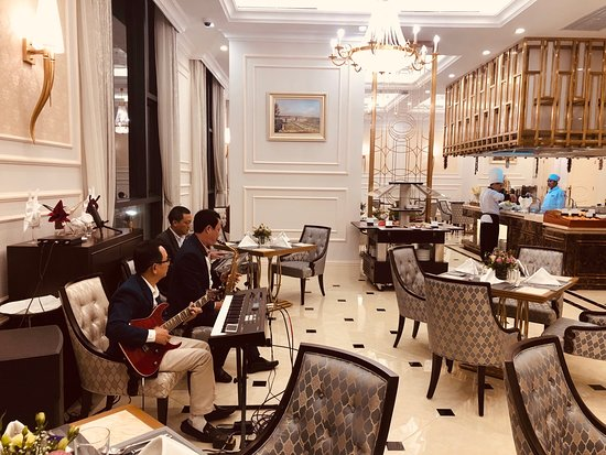 Phu Ly, Vietnam: Không gian ấm cúng cùng với tiếng nhạc êm ái và nhẹ nhàng