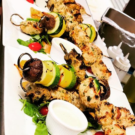 You bring your appetite and we will bring the chicken souvlaki! #mazidc #washingtondc #chickenkebab #chickensouvlaki #dcfood #dceats #dcfoodie #dcdining #dcrestaurants #dmvfood #igdc #exploredc #instadc #instafood #yelpeatsdc #yelpdc #yelpexploresdc #eatdrinkdc #tastedc