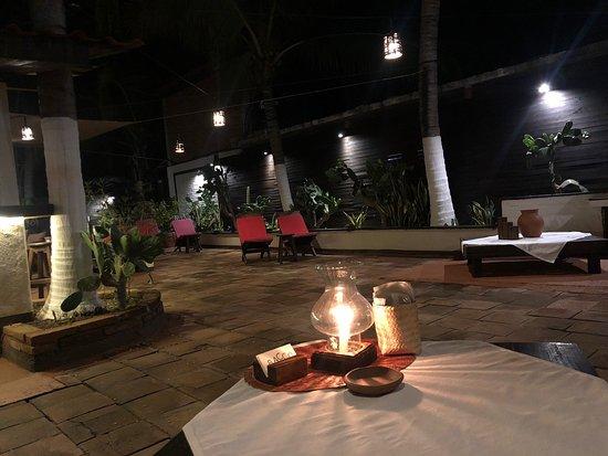 Pochutla, מקסיקו: Un buen lugar para pasar una cena romantica