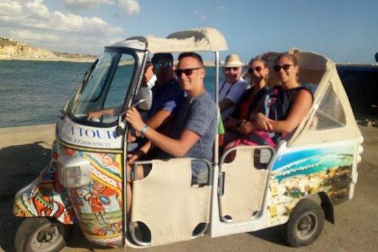 Tour of Sciacca in Tuk Tuk (2 people)