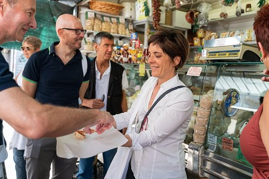 Kleingruppen-Streetfood-Tour in Aosta