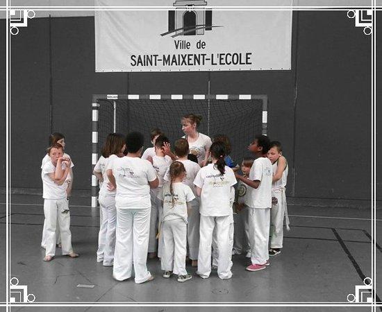 Saint Pierre des Corps, Francja: Cours pour enfants à Tours 37000 France