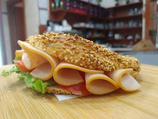 Artos & Glyko Cafe-Bakery: Πεντανόστιμο