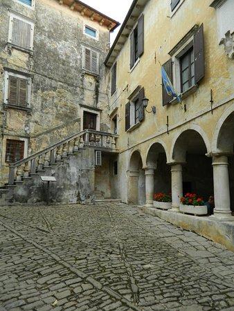 The Town Loggia: loggia rinascimentale
