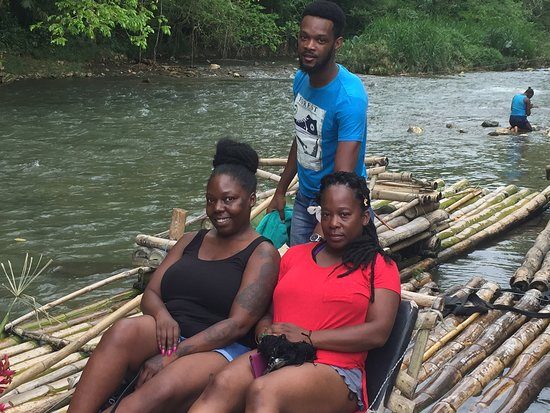 Lethe, Jamaïque : Enjoying a nice river raft