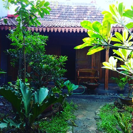 Godean, อินโดนีเซีย: Homestay bergaya tradisional house,terletak di pinggiran barat kota Yogyakarta