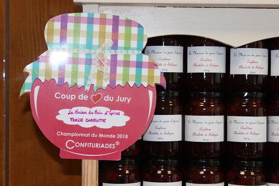Faverolles-sur-Cher, Francja: Confiture de fraises de Sologne !  Nous réalisons au fil des saisons de confitures épicées.