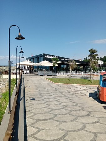 Arakli, ตุรกี: لقطات من شاطيء بلدة أراكلي في مقاطعة طرابزون الواقعة البحر الأسود.