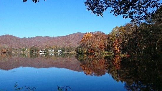 Kitashiobara-mura, Japan: 晩秋の桧原湖
