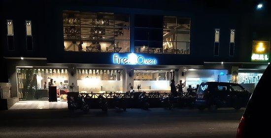 Jhang Sadar, Pakistan: Fire N Oven Restaurant, Jhang