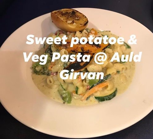Vegetarian pasta with sweet potatoe & Garlic Bread