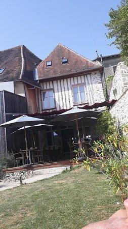 Pierre-Buffiere, Frankrijk: Cote jardin