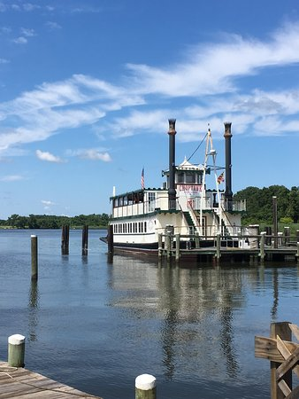 Choptank River boat, Suicide Bridge Restaurant