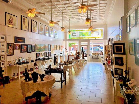 Gallery 527