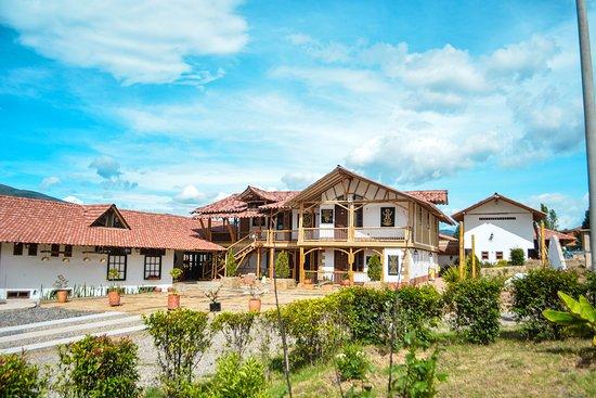 Sutamarchan, קולומביה: Vista desde el jardin.