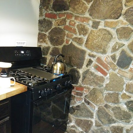 Lodge stove