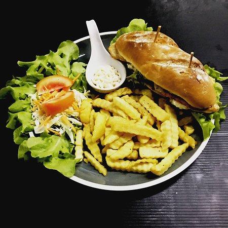 Grilled Chicken baguette