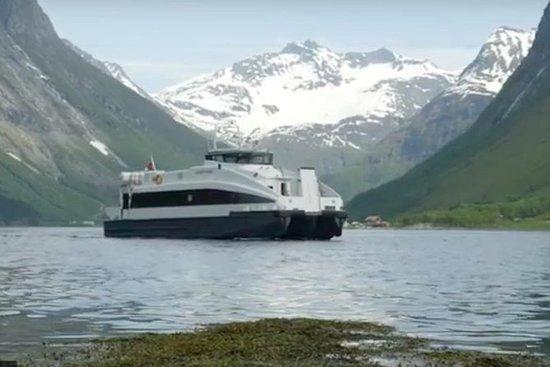 Fantastisk Alesund Hjørundfjord Cruise
