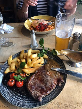 Kennington, UK: Ribeye, medium rare!
