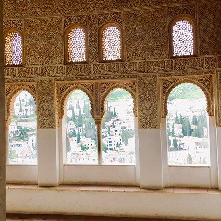 Alhambra, Španělsko: Exhuberante!...cuanto tiempo se necesitaría para detenerse en cada detalle?
