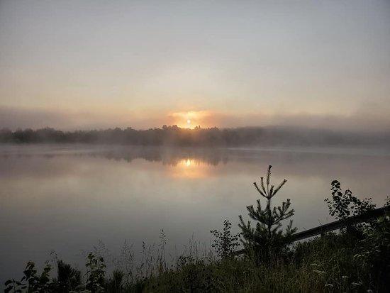 Montcerf-Lytton, Canada : Levée du soleil ave brouillard... magnifique.