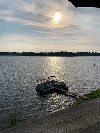 Reflections on Deep Lake照片
