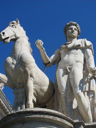 Statua di Castore