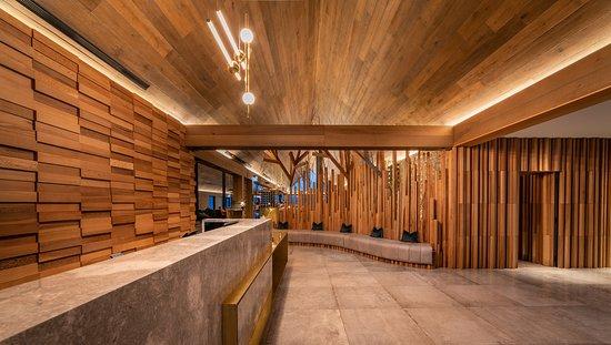 Nest Kitchen + Bar: Arrival Area