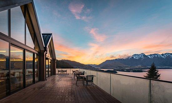 Nest Kitchen + Bar: Sunrise Terrace - outdoor dining