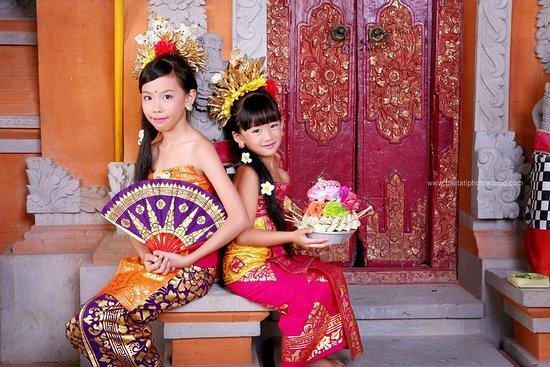 Balinese Costume Photo Studio