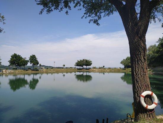 Monteleone, Italië: passeggiata intorno al lago