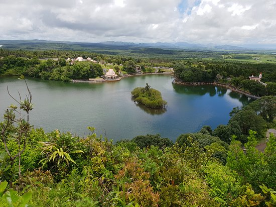Округ Саван: View of the lake from Monkey God temple