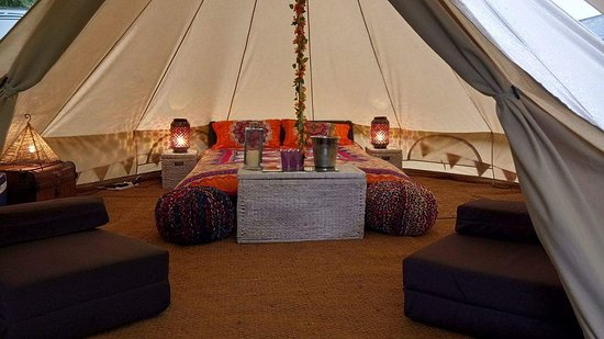 Tal-y-Bont, UK: Bell tent Glamping in style available for hire