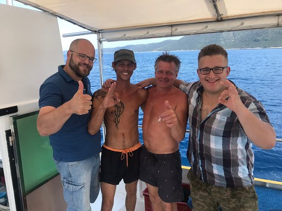 Big thanxs to Fox for your flexibility to make My dream of taking my diving lisence come thrue. Your a cool guy and a great instructer😀👍🏼 and a big thanxs ta the rest of your team also. There all great, friendly and helpfull😀 hope to SEE you again