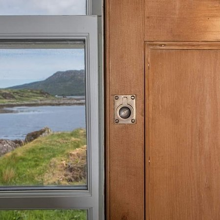 Isleornsay, UK: Sea views from every window at Eilean Sionnach