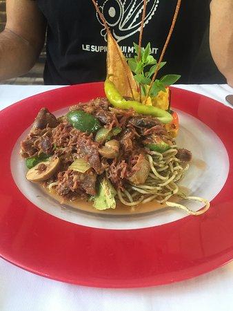 Viande de boeuf et spaghettis