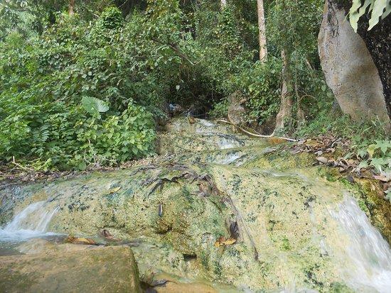 Hot Spring Kasi Resort Laos: Hot spring mineral