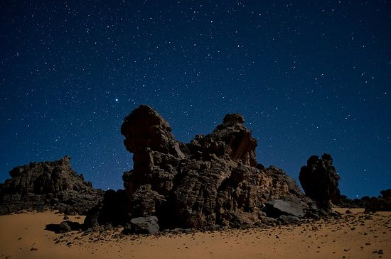 Tamanrasset Province, แอลจีเรีย: Life is an incredible adventure otherwise it's worth nothing  Do you want to experience an unforgettable experience and discover the desert of Algeria that you have never experienced? and, of course, watching the sunset, considered the best in the world.  We offer excursion with a great team of #Algerian_Maze from next October to Tamanrasset (Tassili of Hoggar and Assekrem), private tour or a group trip.  If you are interested or need further information, please contact us.
