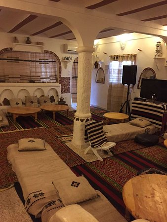 """Ghardaia Province, แอลจีเรีย: Guided Tours With """"Algerian Maze"""" and Visits to Ghardaia and Beni Isguen.  The Saharan town of Ghardaia, just over an hour by plane from the capital Algiers, is one of the pentapolis towns of the UNESCO World Heritage M'Zab Valley."""
