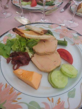 L'assiette généreuse  de foie gras mi cuit