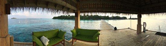 Vakarufalhi Island: Pontile
