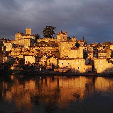 Village medieval de Puy-l'Eveque