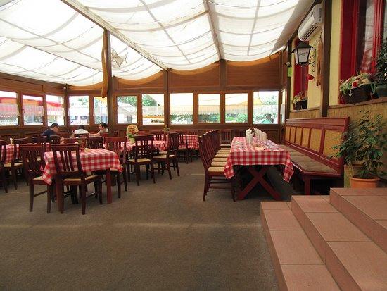 Tiszacsege, المجر: étterem belsőtere
