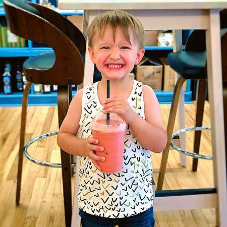 Lake Mountain Coffee: Look at that smoothie smile!