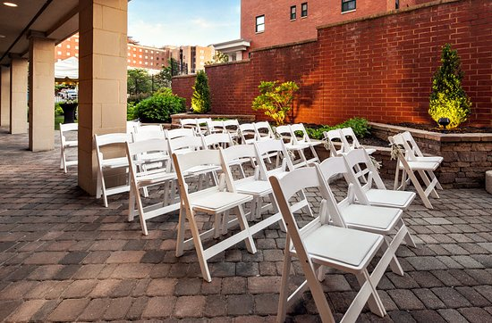 Our outdoor patio offer an intimate setting for a small ceremony.