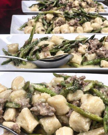 Table Boston: Gnocchi with Italian sausage & asparagus